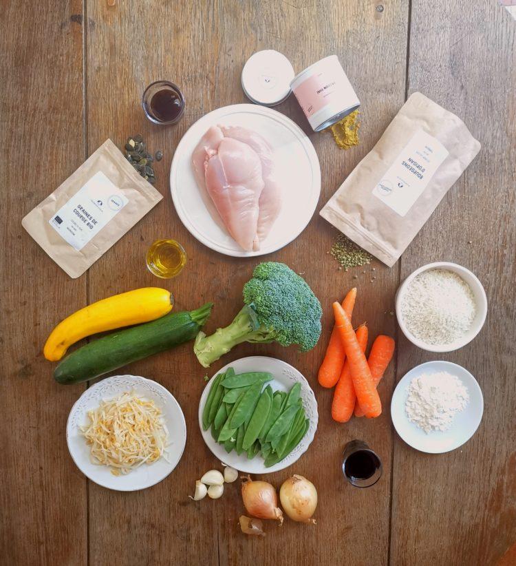 ingrédients pour Shop Suey de légumes et poulet passion thaï, bourgeons d'origan